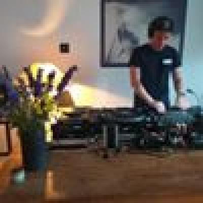 Sam zoekt een Studio in Antwerpen