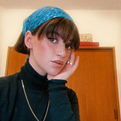 Lena zoekt een Appartement / Studio in Antwerpen